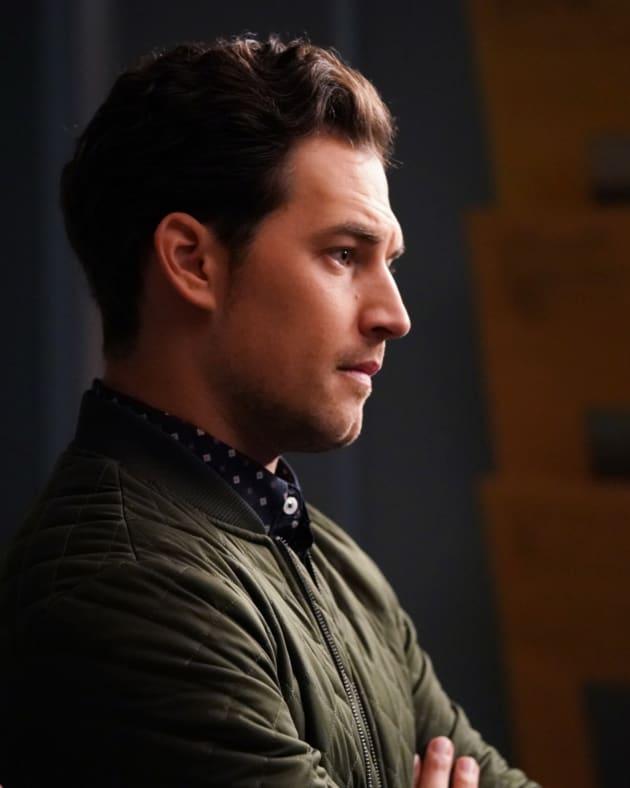 Drawn In - Grey's Anatomy Season 14 Episode 2