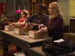 Ladies At Work - Good Girls Season 3 Episode 4