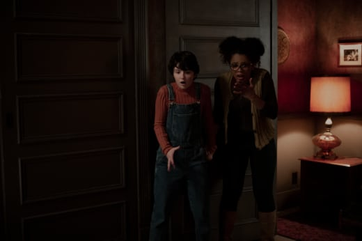 Roz and Susie - Chilling Adventures of Sabrina Season 1 Episode 4