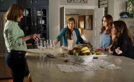 Comparing Notes - Pretty Little Liars Season 6 Episode 9