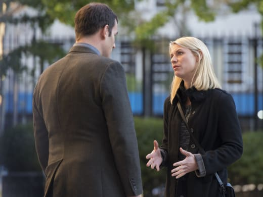 Carrie Warns Roger - Homeland