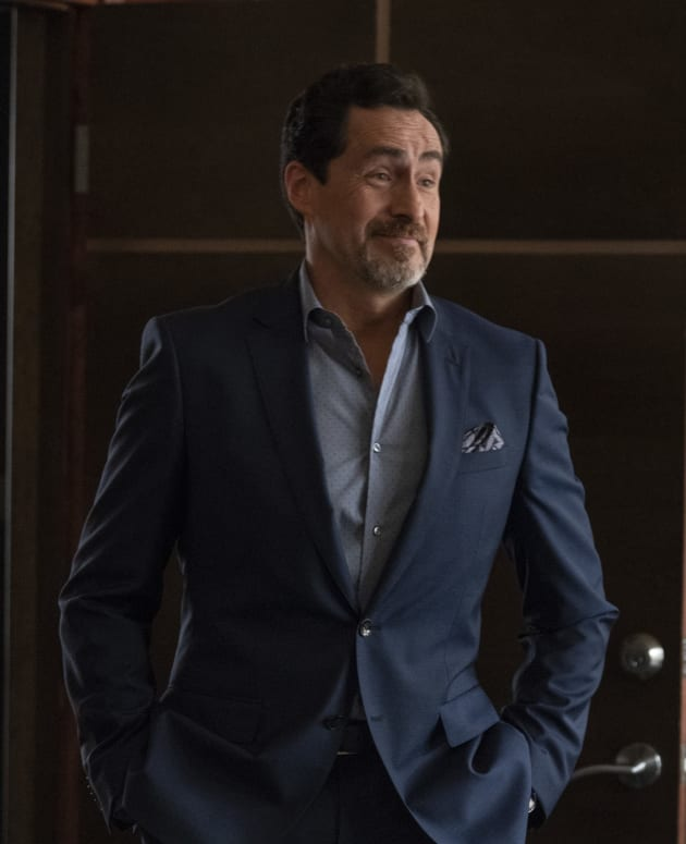 A Dapper Santiago - Grand Hotel Season 1 Episode 13