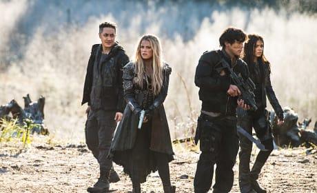 Blake Siblings Working Together - The 100 Season 3 Episode 12
