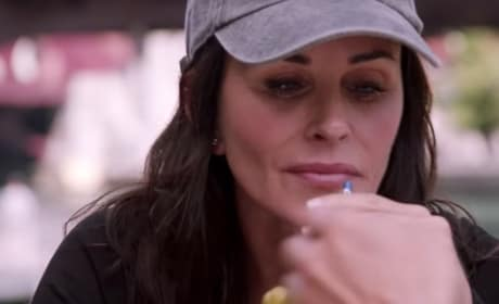 Shameless Promo: Courteney Cox Guest Stars!