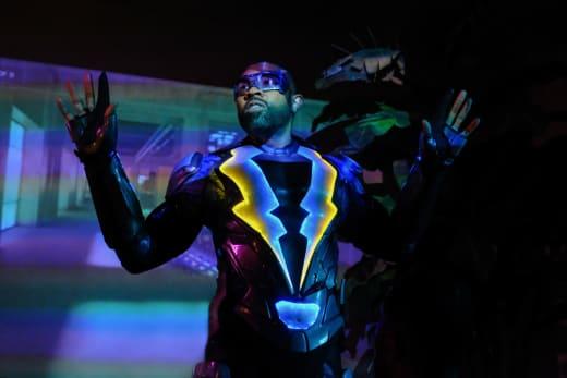 I Surrender! - Black Lightning Season 1 Episode 2