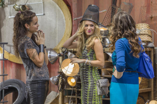 Teri, Taylor and Zoe on Star-Crossed