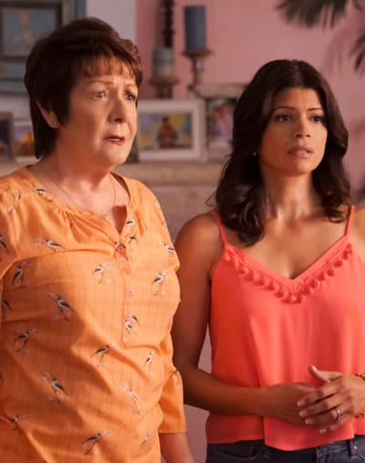 Wedding Dance Prep - Jane the Virgin Season 5 Episode 16