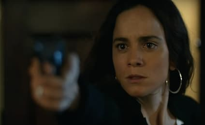 Watch Queen of the South Online: Season 2 Episode 10