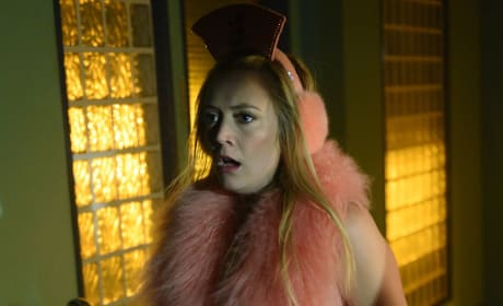 On the Move - Scream Queens Season 2 Episode 9