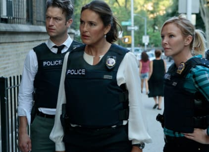 Watch Law & Order: SVU Season 18 Episode 1 Online