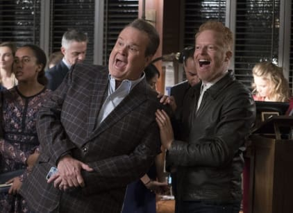 Watch Modern Family Season 9 Episode 15 Online