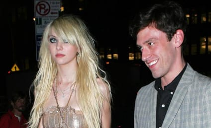 Taylor Momsen Steps Out ... with Boyfriend?