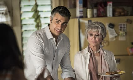 Watch Jane the Virgin Online: Season 2 Episode 9