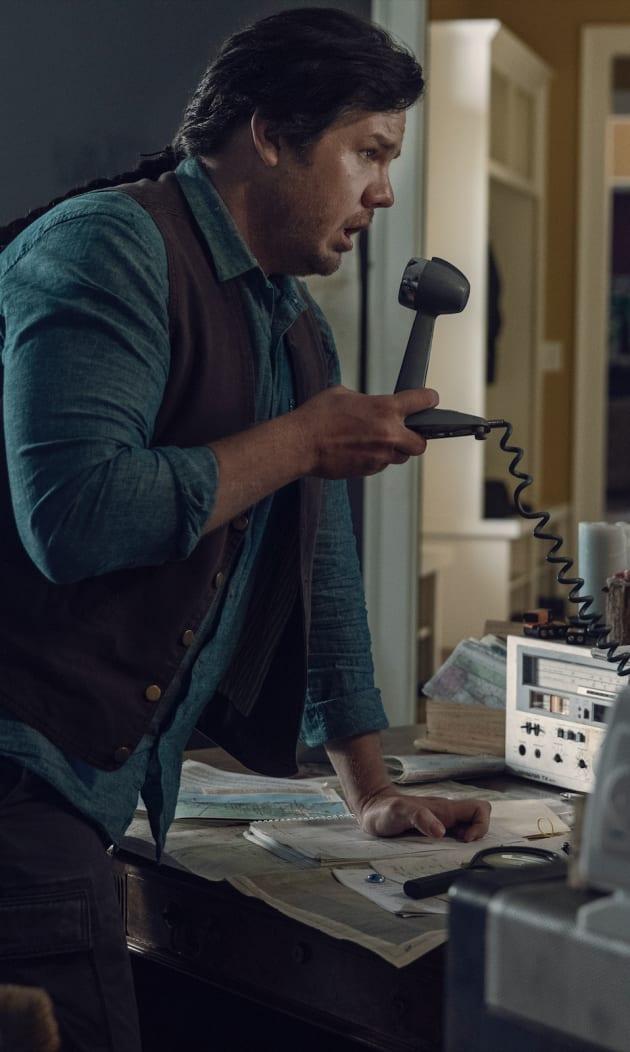 Eugene on the Radio - The Walking Dead