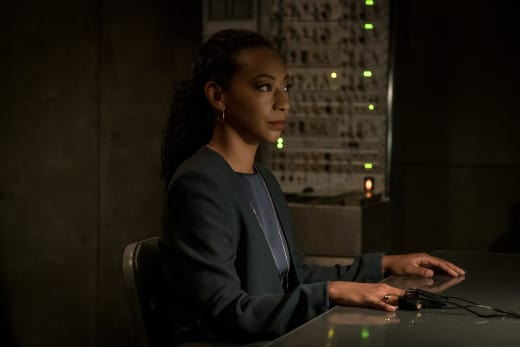Reading Her In - Counterpart Season 2 Episode 1
