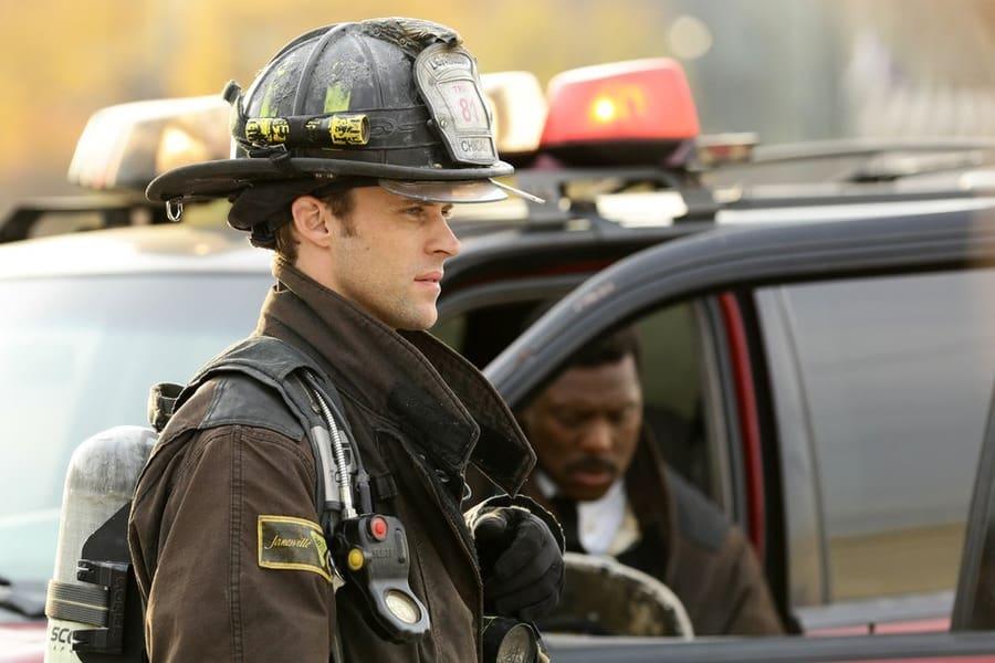 Casey contemplates what to do - Chicago Fire Season 3