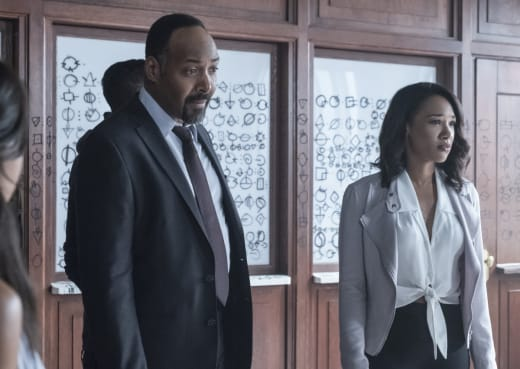 What Is Up With Those Symbols - The Flash Season 4 Episode 1
