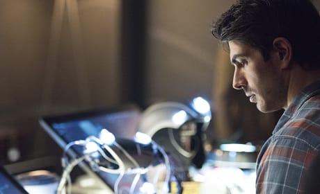 Working on Form - Arrow Season 3 Episode 13