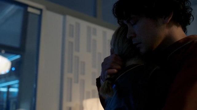 "The six year long Bellarke hug on ""Praimfaya"""