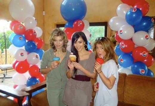 90210 Stars, Kim Kardashian