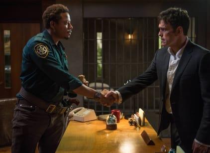 Watch Wayward Pines Season 1 Episode 1 Online