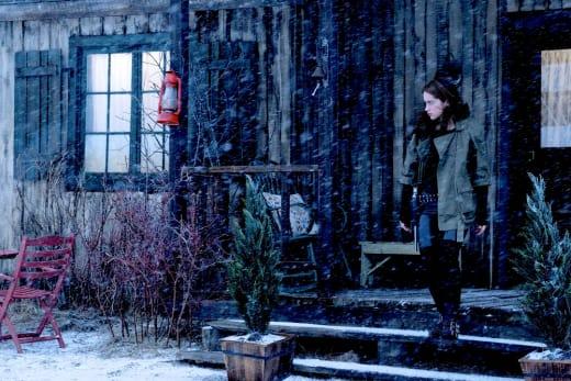 Snowy Day - Wynonna Earp Season 3 Episode 9