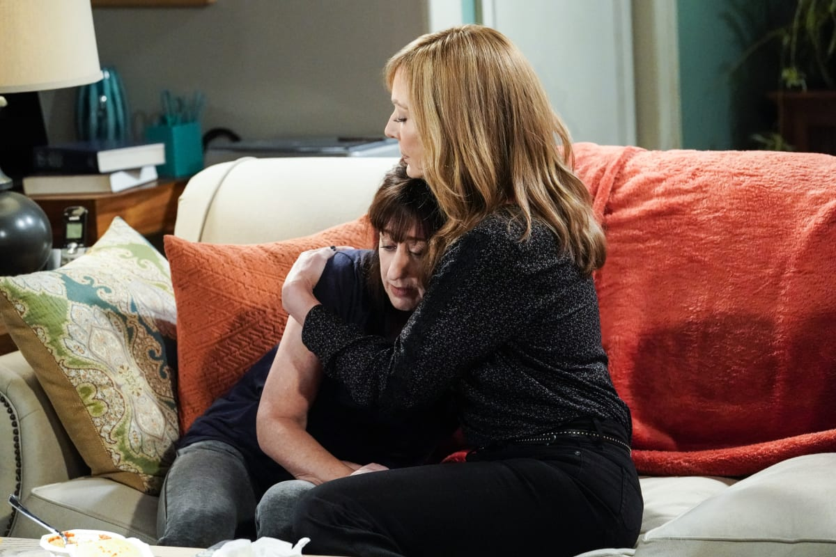 Mom Season 7 Episode 5 Review: Fake Bacon and a Plan to Kill All of Us - TV  Fanatic