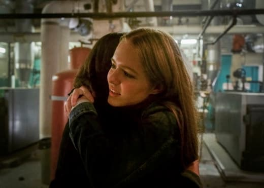 Young Danvers Hug - Supergirl Season 3 Episode 6