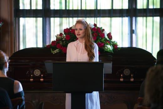The Woman In White - Riverdale Season 1 Episode 5