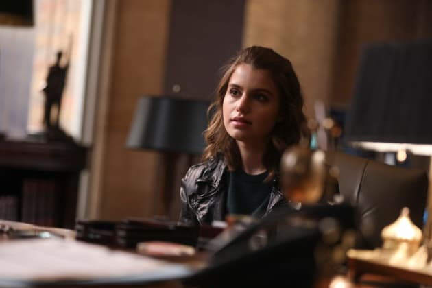 Nicky Gets Played - Blue Bloods Season 8 Episode 13