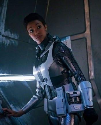 Burnham Vertical - Star Trek: Discovery Season 2 Episode 1