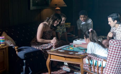 Family Cabin - This Is Us Season 1 Episode 9