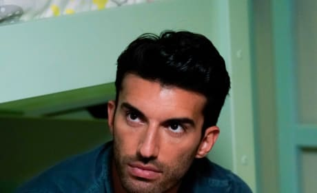 Why is He Doing That? - Jane the Virgin Season 5 Episode 3