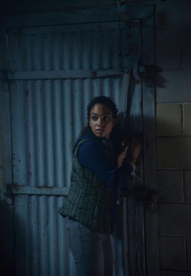 Certain Death? - Sleepy Hollow Season 2 Episode 1