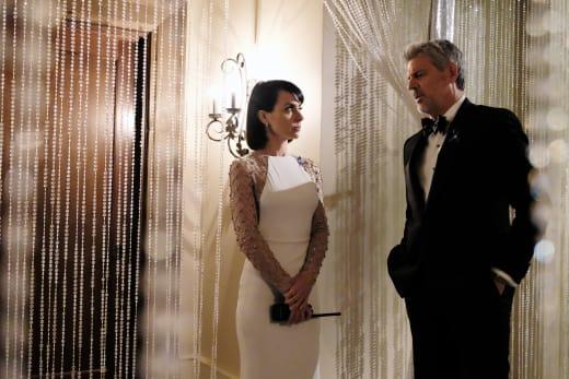 Quinn vs. Gary in black tie - UnREAL Season 3 Episode 9