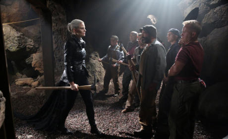 Darkness on the Move - Once Upon a Time Season 5 Episode 3