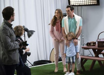Watch Modern Family Season 10 Episode 13 Online