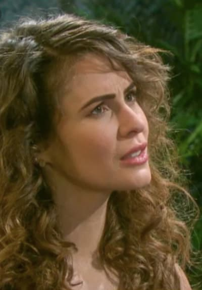 Sarah's Long, Curly Hair - Days of Our Lives