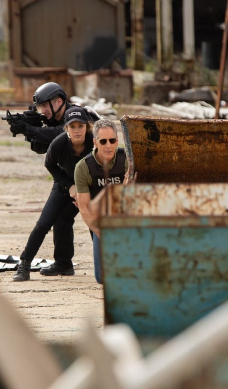 Under Fire - NCIS: New Orleans Season 5 Episode 18