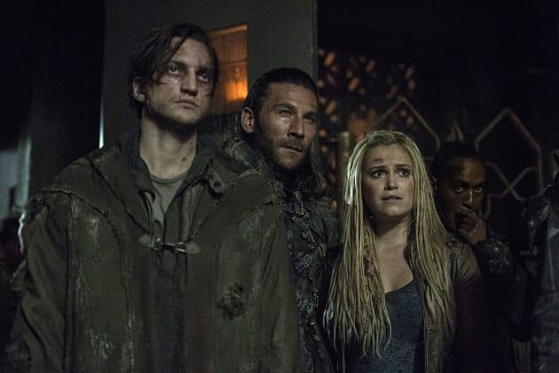 Roan's Got Clarke's Back? - The 100 Season 3 Episode 9
