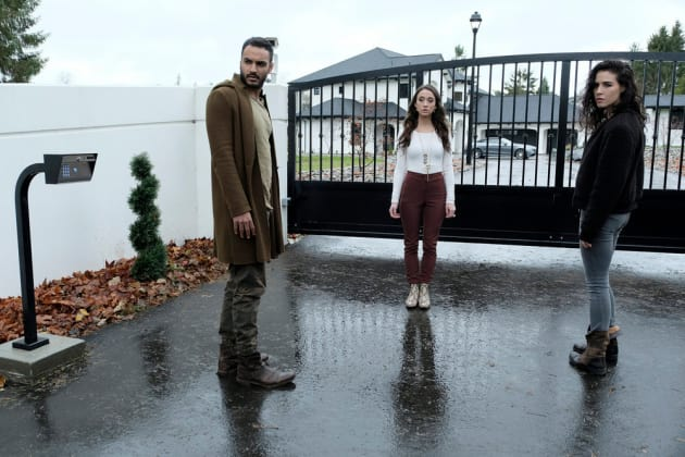 Love Triangle - The Magicians Season 3 Episode 12
