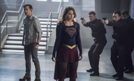 Guns Drawn - Supergirl Season 2 Episode 16