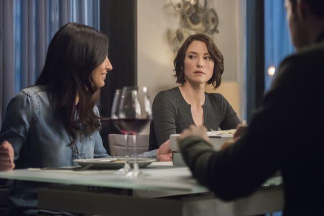Having dinner supergirl season 2 episode 19