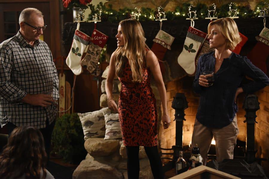 modern family season 7 episode 9 review white christmas tv fanatic - Modern Family Christmas