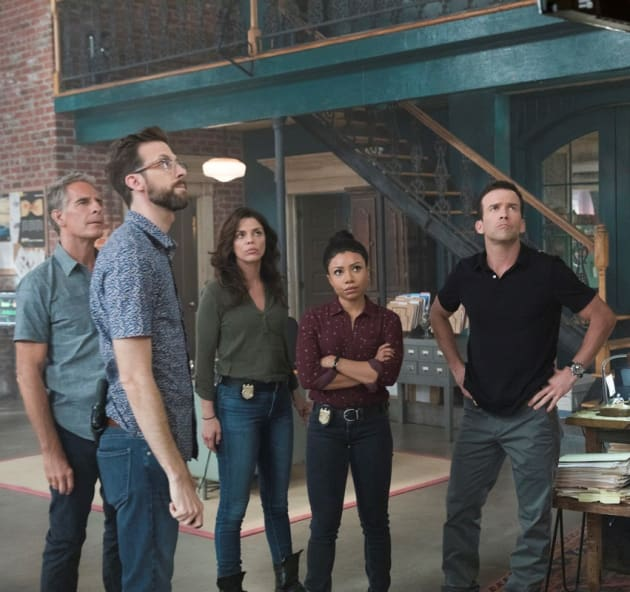 Getting the Scoop - NCIS: New Orleans Season 4 Episode 8