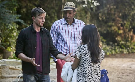 """Hart of Dixie Photos from """"The Very Good Bagel"""""""