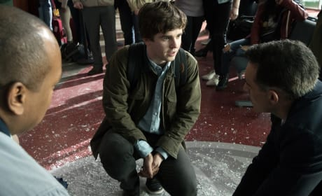 Dr. Murphy speaks to the boy's parents at the airport - The Good Doctor Season 1 Episode 1