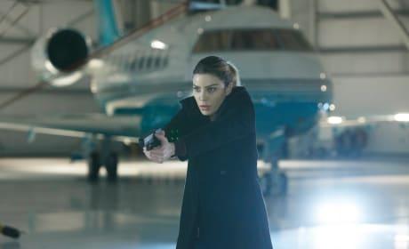 Airplane ride - Lucifer Season 1 Episode 13