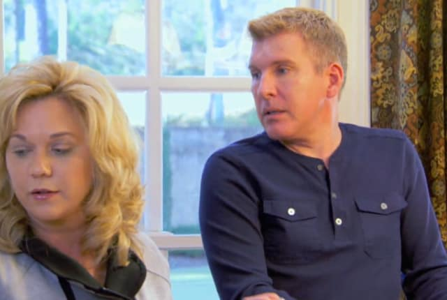 chrisley knows best crowning around