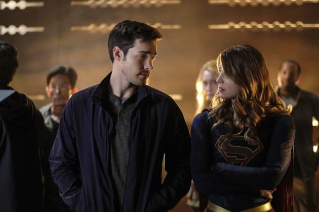 Kara and Mon-El Need a Plan - Supergirl Season 2 Episode 9